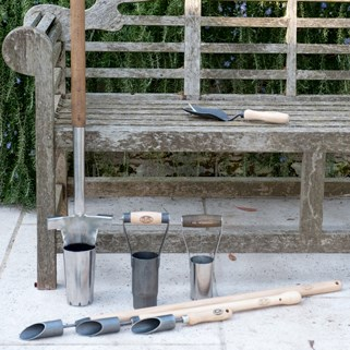 Find the De Wit tool for your garden task