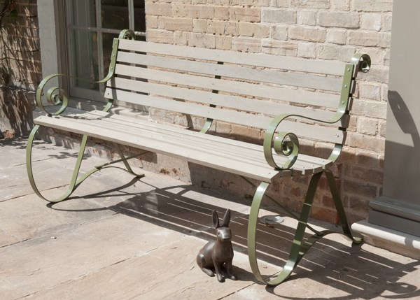 Montpellier bench - lichen green