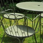 Versailles steel dining table with two armchairs - Lichen green