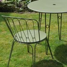 Versailles steel dining table with two chairs - Lichen green