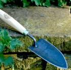 de-wit-planting-trowel-p-grip-handle-fsc-timber