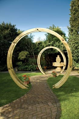 Freestanding flower circle