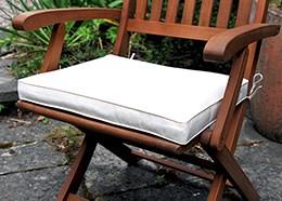 Ecru cushion for folding armchairs