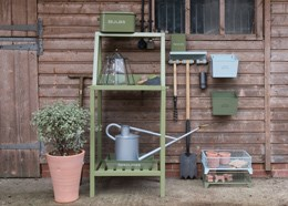 Wooden potting bench  green
