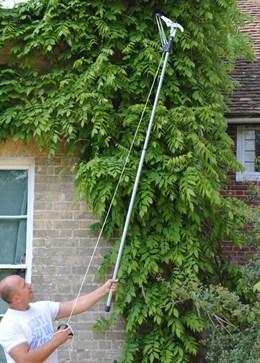 Fiskars telescopic tree pruner