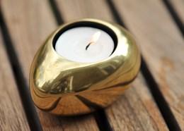 Gold pebble tea light holder