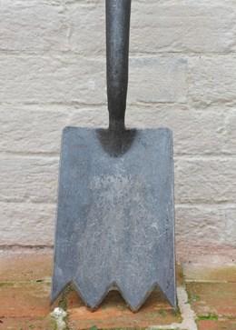 De Wit solid socket shark spade