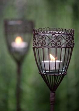 Kamla stake lantern