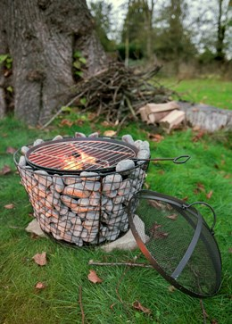 Pebble firepit